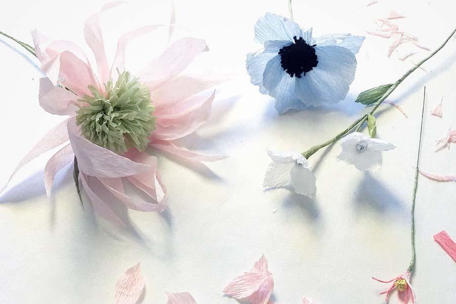 crepe_papir_blomster_og_blade